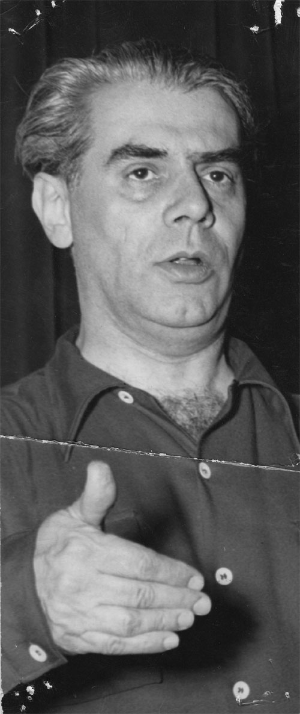 Walter Kaufmann conducting [Walter Kaufmann Archive]
